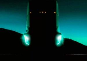 Tesla yeni aracı Semi'yi bugün tanıtıyor