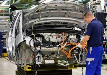 Otomobil ve hafif ticari araç pazarı ilk iki ayda 0,25 azaldı