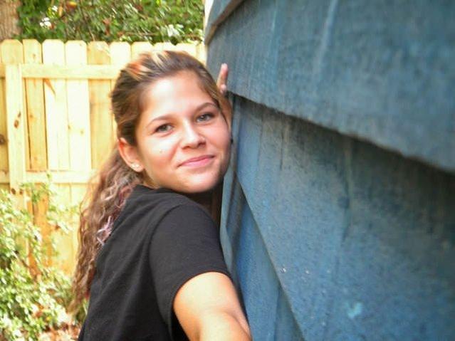 13 yaşındaki kız kendi evini inşa etti