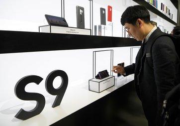 Samsung Galaxy S9 ön siparişleri düşük mü?