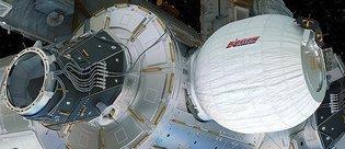 SpaceX'in Dragon mekiği uzay istasyonuna ulaştı