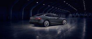 Tesla, iki aracının üretimine son veriyor