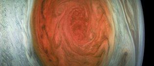 NASA, Jüpiter'in büyük kırmızı lekesini yakından görüntüledi!