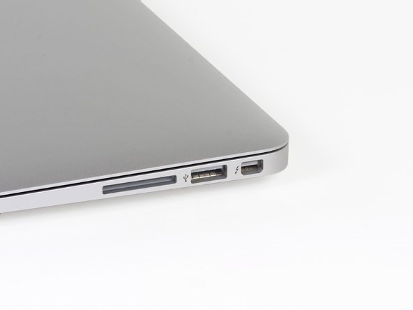 Yeni 13 inçlik Macbook Air'ı paramparça ettiler