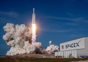 Elon Musk, Falcon Heavy'deki hatayı açıkladı! Bakın neymiş...