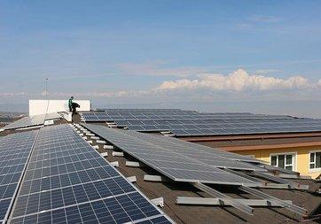 Güneş enerjisi Denizli'deki okula gelir sağlayacak