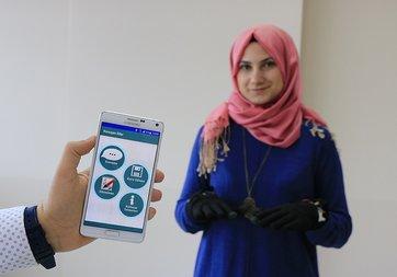 İşitme engelliler mobil eldivenle 'konuşacak'