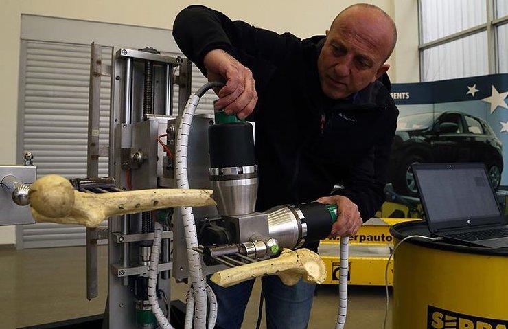 TÜRK MÜHENDİSLERDEN AMELİYAT ROBOTU: ROBORTO