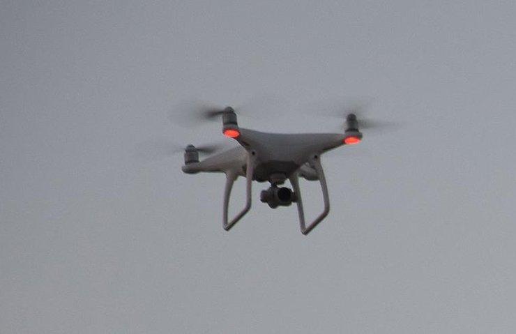 UÇAKLAR İÇİN DRONELAR KUŞLARDAN TEHLİKELİ