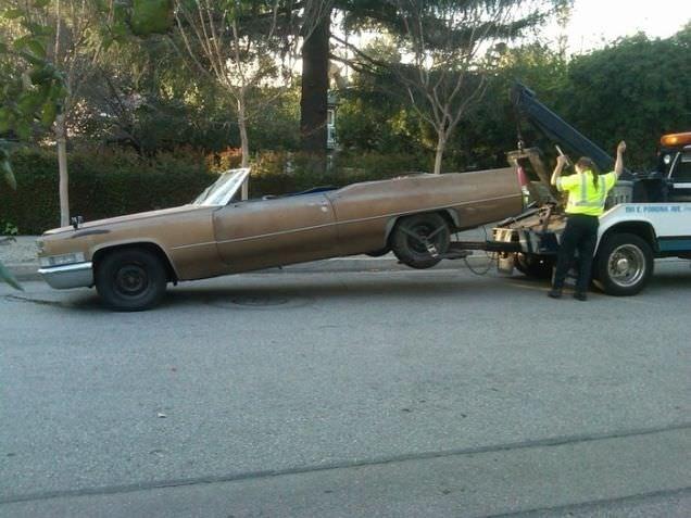 Eski Cadillac'ı dünyanın en hızlı küvetine dönüştürdüler