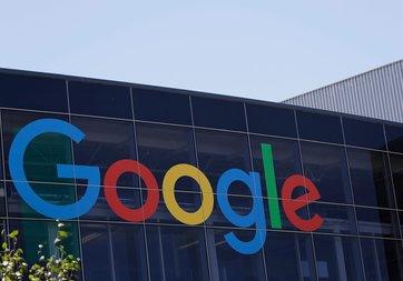 Google'dan ucuz iki yeni telefon geliyor
