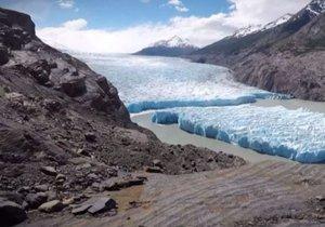 Şili'de 30 yılın en büyük buz parçası koptu