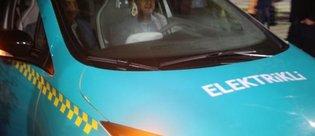 Elektrikli taksiler ilk defa Taksim Meydanı'nda görücüye çıktı