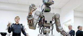 Terminatör'den esinlenerek yapılan Rus robot FEDOR ile tanışın!