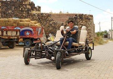 Lise mezunu genç kendine araba geliştirdi