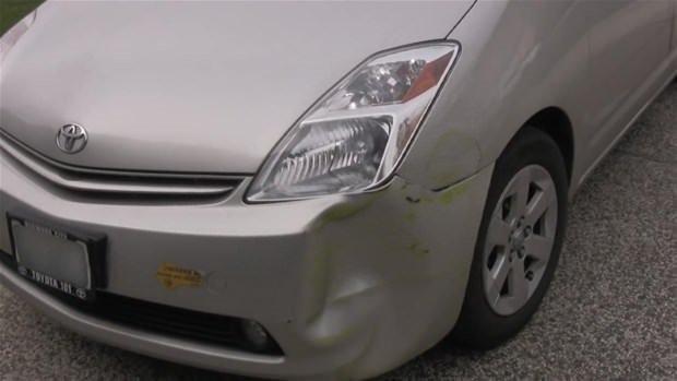 Arabadaki eziği evde tamir etmek