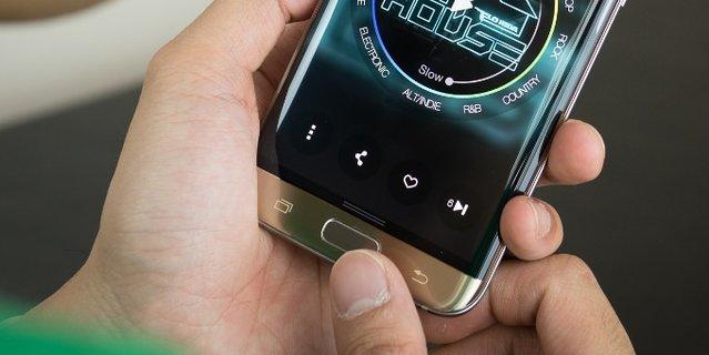 Galaxy S7 ve S7 edge'in düğmelerindeki ışıklandırma nasıl kapatılır?