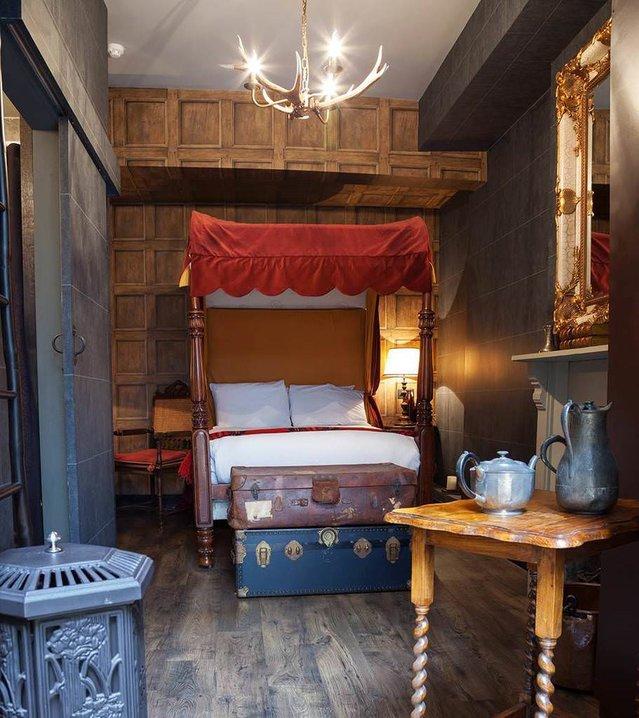 Londra'da Harry Potter oteli açıldı