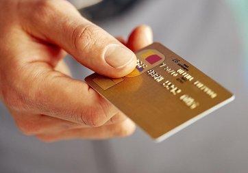 Kredi kartından tek çekimden komisyon alma yasağı deliniyor