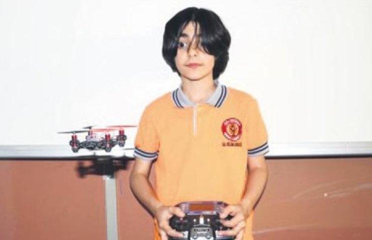 ORTAOKUL ÖĞRENCİSİ 'BOMBA BULAN CASUS DRONE' GELİŞTİRDİ