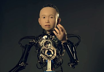 Japonya'da 10 yaşında çocuğa benzeyen robot geliştirildi