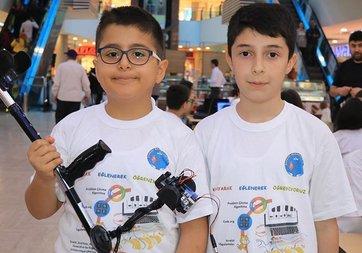 Ortaokul öğrencileri 'akıllı baston' tasarladı