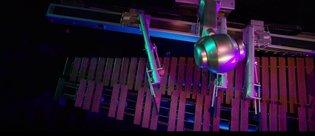 Yapay zeka destekli bu robot müzik enstrümanı çalabiliyor