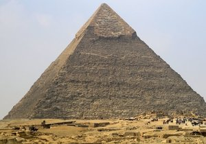 Piramitleri uzaylılar mı yaptı? Büyük sır nedir?