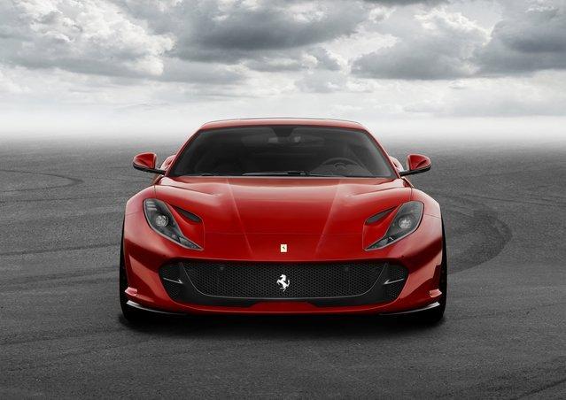Ferrari 812 Superfast'a merhaba deyin
