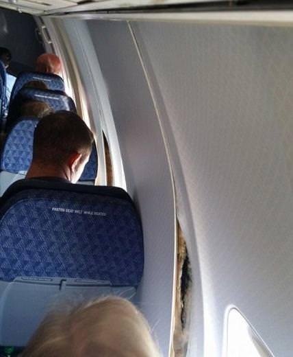 Uçağın duvarları havada çatladı