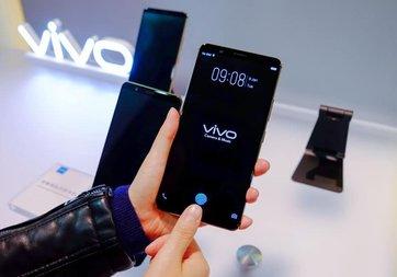 CES 2018: Vivo, ilk ekrana gömülü parmak izi tarayıcılı telefonunu tanıttı