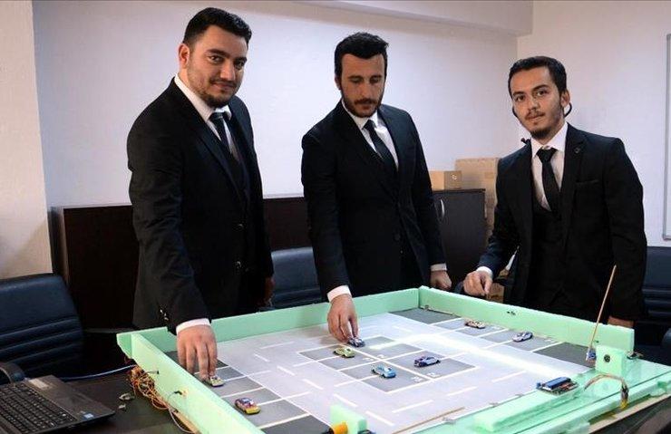 BEÜ ÖĞRENCİLERİNDEN 'AKILLI OTOPARK SİSTEMİ'