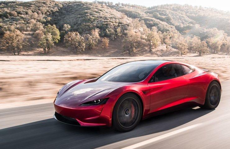 Tesla Roadster tarihin en çabuk hızlanan otomobili oldu