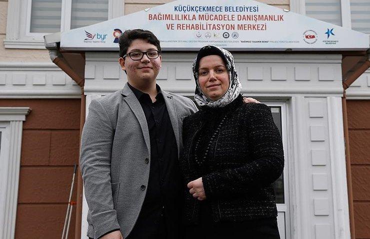 İNTERNET BAĞIMLILARI BAYAMER'DE TEDAVİ EDİLİYOR