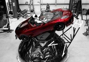 Mars'a gidecek Tesla Roadster aracın yeni fotoğrafları yayınlandı