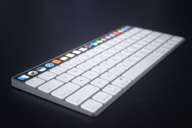 Dokunmatik panele sahip Apple Magic Keyboard!