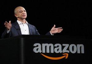 Jeff Bezos artık tüm zamanların en zengin adamı!