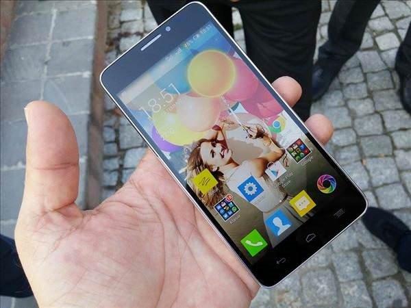 General Mobile Discovery 2'nin fotoğrafları
