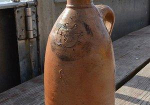 İşte araştırmacıları şaşırtan 200 yıllık şişe