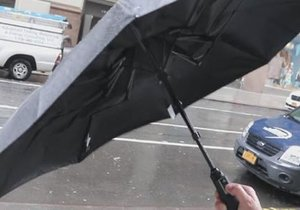 Teknolojiden yararlanan şemsiyeler