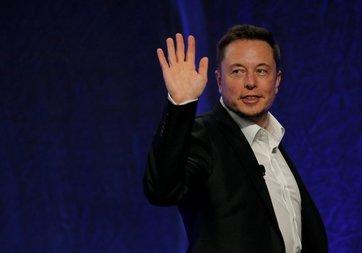 Musk ve Boeing arasında uzaya ilk insan kapışması