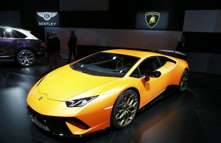 Lamborghini'yi boydan boya çizdiler