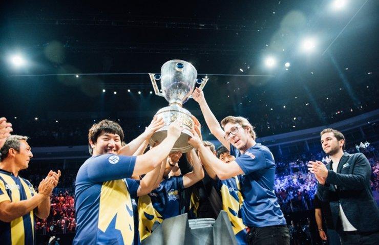 LoL 2017 Türkiye Büyük Finali'nde Şampiyon Fenerbahçe oldu