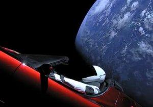 Uzaya fırlatılan Tesla otomobilini takip edin