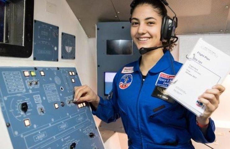 LİSELİ SELİN'İN HEDEFİ NASA'DA GÖREV ALMAK