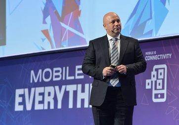 Turkcell CEO'su MWC 2017'de geleceğin teknolojilerini anlatacak