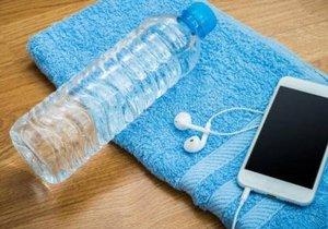 Pet şişe ve telefonla bakın ne yaptı
