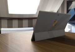 Microsoft Surface Pro katili: Apple MacBook-i