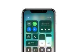 İncelemelerde iPhone X'in Face ID ve ekranından övgüyle bahsedildi
