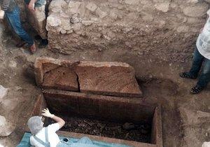 Balıkesir'deki 2500 yıllık mezar açıldı